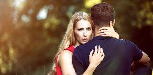 Femme qui doute de son amour