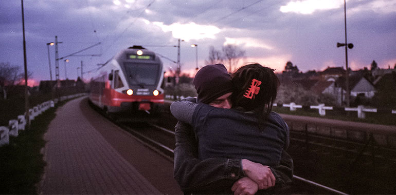 Retrouvailles d'un couple à distance